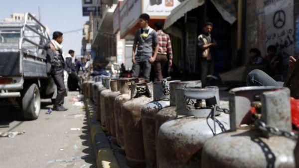 مليشيا الحوثي تفرض جرعة سعرية على الغاز المنزلي في مناطق سيطرتها مع قدوم رمضان