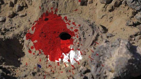 إثر انفجار لغم حوثي.. استشهاد طفل وإصابة آخرين بمنطقة سكنية جنوب مأرب