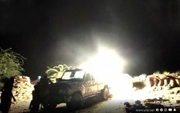 الإعلام العسكري: القوات المشتركة أخمدت أيضاً مصادر نيران للمليشيات الحوثية في جبهتي حيس والتحيتا استهدفت منازل المواطنين في مركزي المديريتين