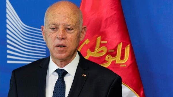 تونس.. قرار رئاسي بتجميد أعمال البرلمان وإعفاء رئيس الحكومة