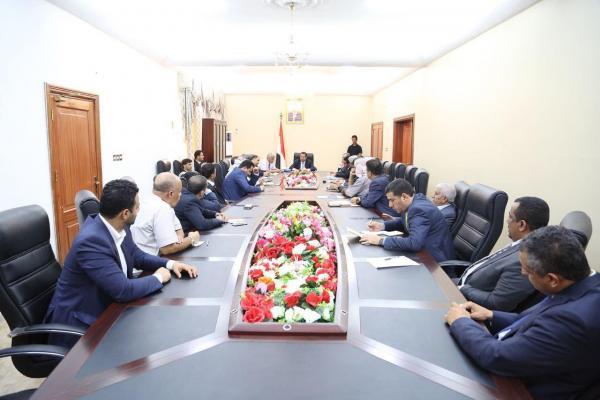 الخدمة المدنية تلغي كل قرارات الحوثيين بشأن الاستغناء عن موظفي الدولة