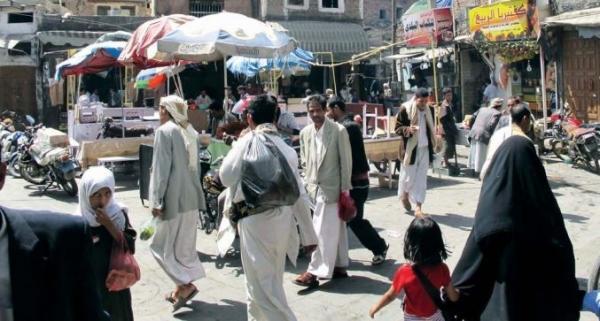 الحوثيون يديرون خبز اليمنيين بالأسواق السوداء والجبايات ويدفعون غالبيتهم إلى عجز غذائي